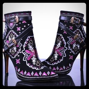 Stunning! Embroidered Booties